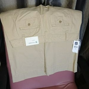 """NEW Gap trousers 6 khaki relaxed fit inseam 31.5"""""""